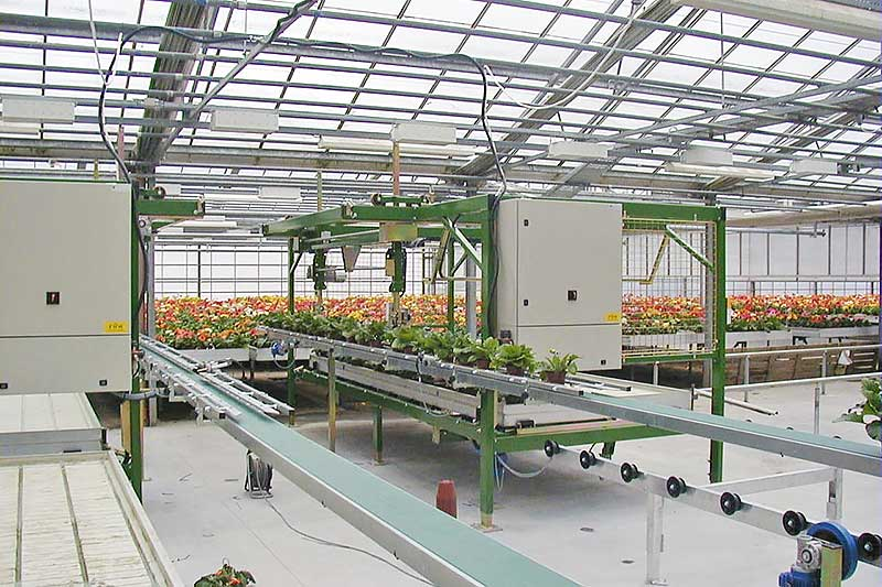 Robots for mobile table capacity up to 5500 pots per hour